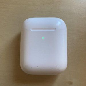 Apple Airpods gen 2 charging case